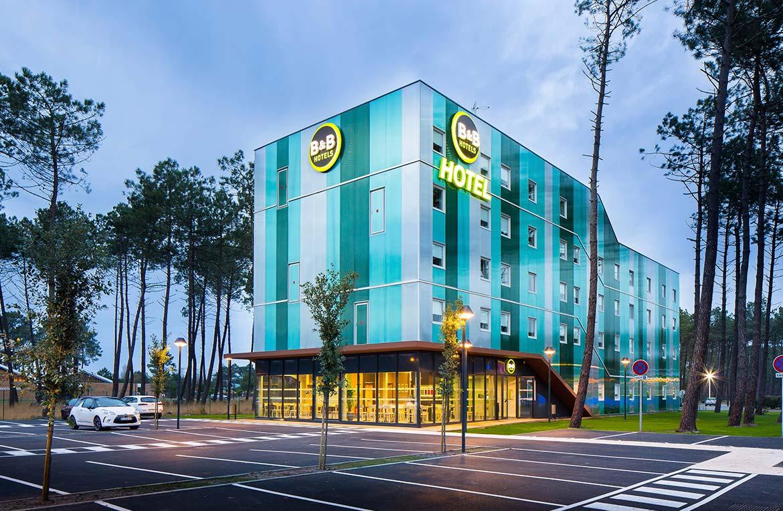 מלון המתמזג עם הנוף