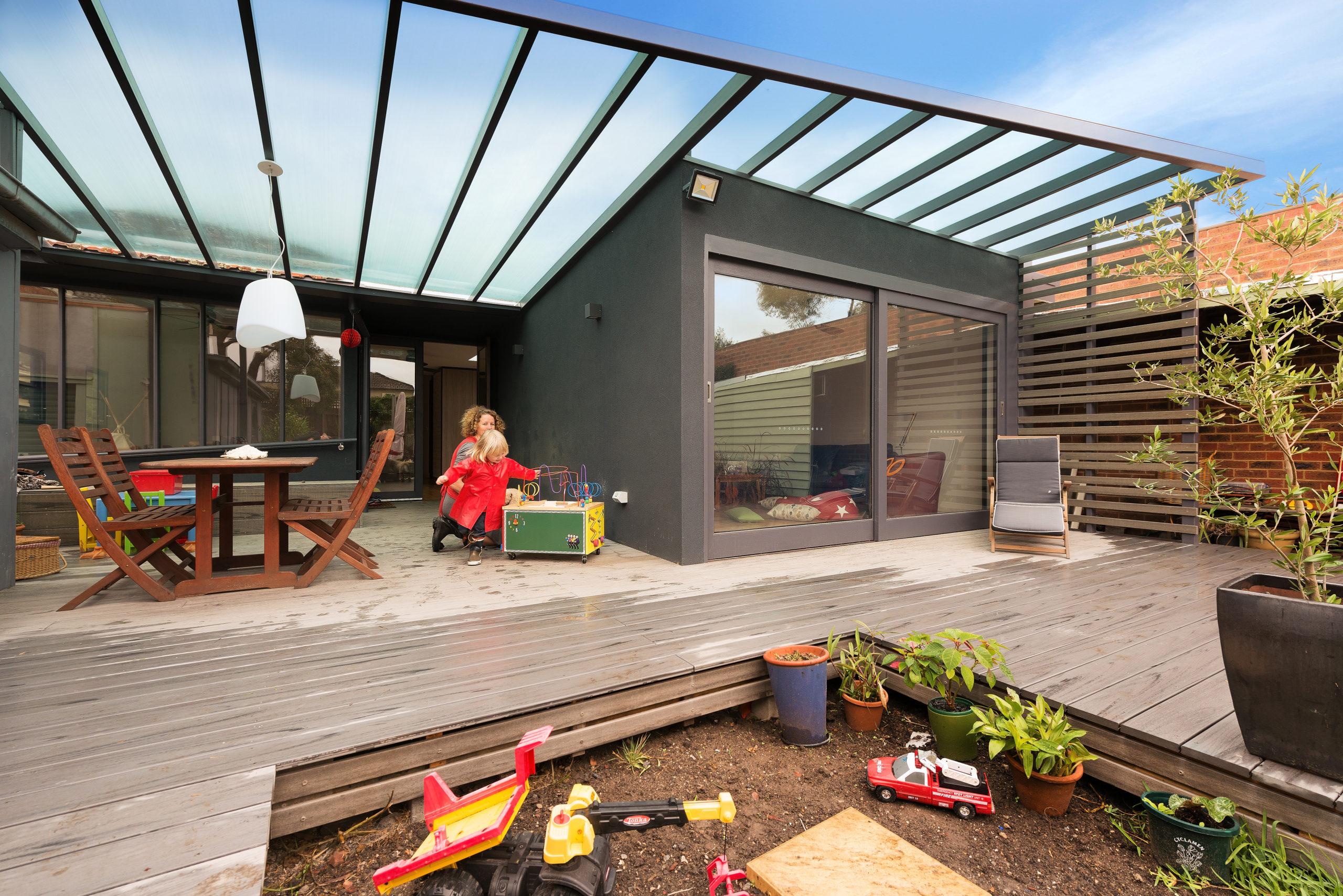outdoor.roofing system.housing.unknown.blue.australia.Marathon House Highres.Statkas Architecture (2)